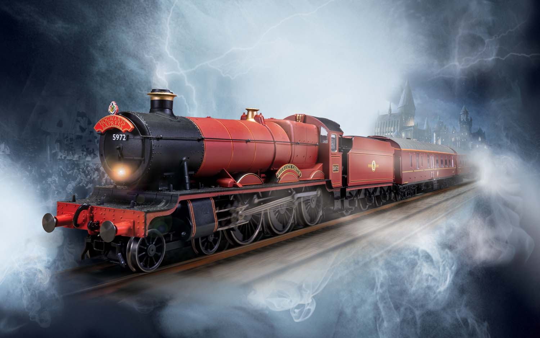 Hornby Hogwarts Express Train Set